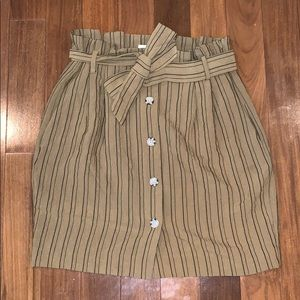 H&M Skirt with Pockets and Belt NWOT